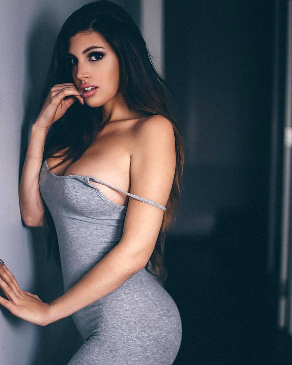 Rosana Hernandez Nude & Sexy Photos - Scandal Planet