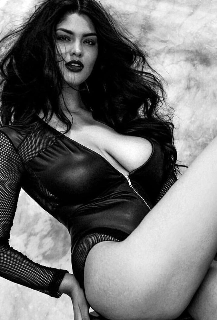 Jocelyn Corona Nude - She Has Perfect Big Boobs ...