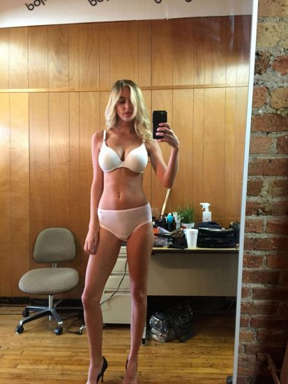 Elizabeth Turner hot in lingerie