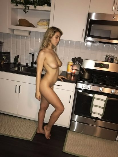 Caylee Cowan naked boobs