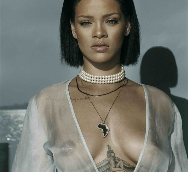 rihanna topless with naked tits and nipples