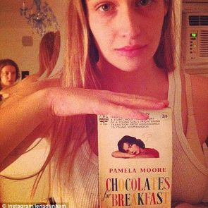 Jemima Kirke Nude Photos and Leaked Porn + Scenes 29