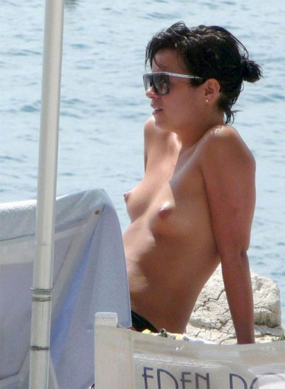 Lily Allen naked tits