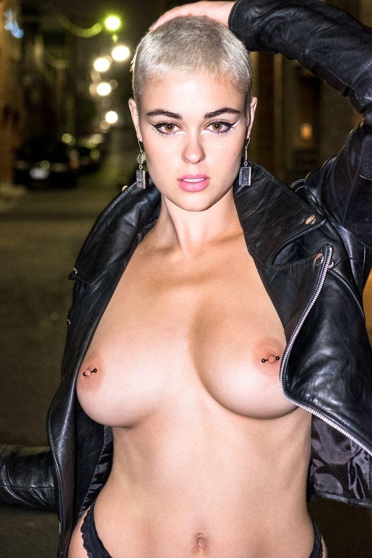 Stefania ferrario nude