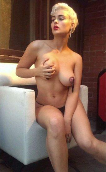 Stefania Ferrario Nude & Lesbian Pics And LEAKED Porn 85