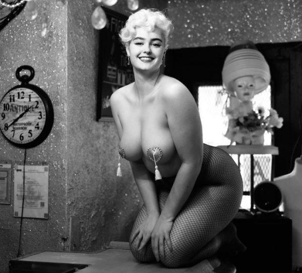 Stefania Ferrario Nude & Lesbian Pics And LEAKED Porn 87