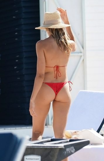 Natalie Roser Nude And Topless Pics & LEAKED Porn Video 125
