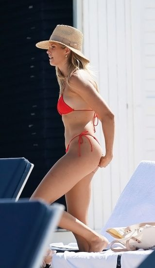 Natalie Roser Nude And Topless Pics & LEAKED Porn Video 119
