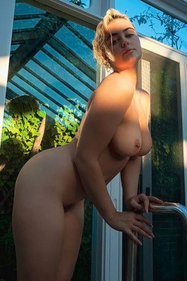 Stefania Ferrario Nude & Lesbian Pics And LEAKED Porn 31