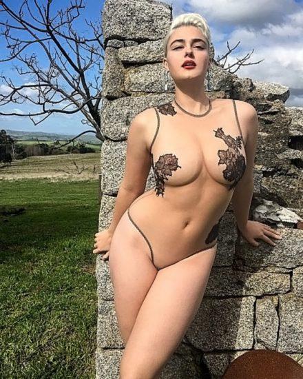 Stefania Ferrario Nude & Lesbian Pics And LEAKED Porn 27