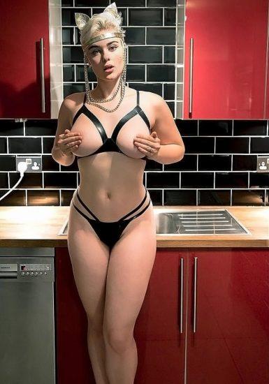 Stefania Ferrario Nude & Lesbian Pics And LEAKED Porn 44