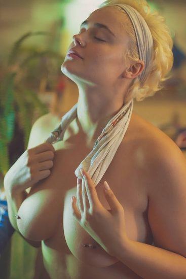 Stefania Ferrario Nude & Lesbian Pics And LEAKED Porn 62