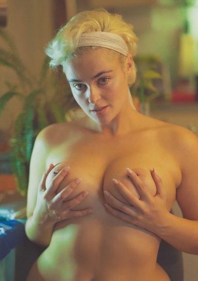 Stefania Ferrario Nude & Lesbian Pics And LEAKED Porn 36