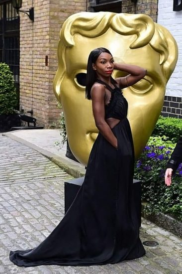 Michaela Coel Nude LEAKED Photos & Sexy, Feet Collection 30