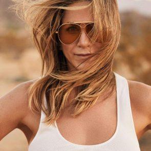 Jennifer Aniston Nude Pics, Porn and Sex Scenes [2021] 29