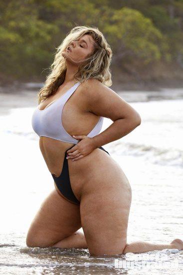Hunter McGrady Nude Pics & Topless for Sports Illustarted 40