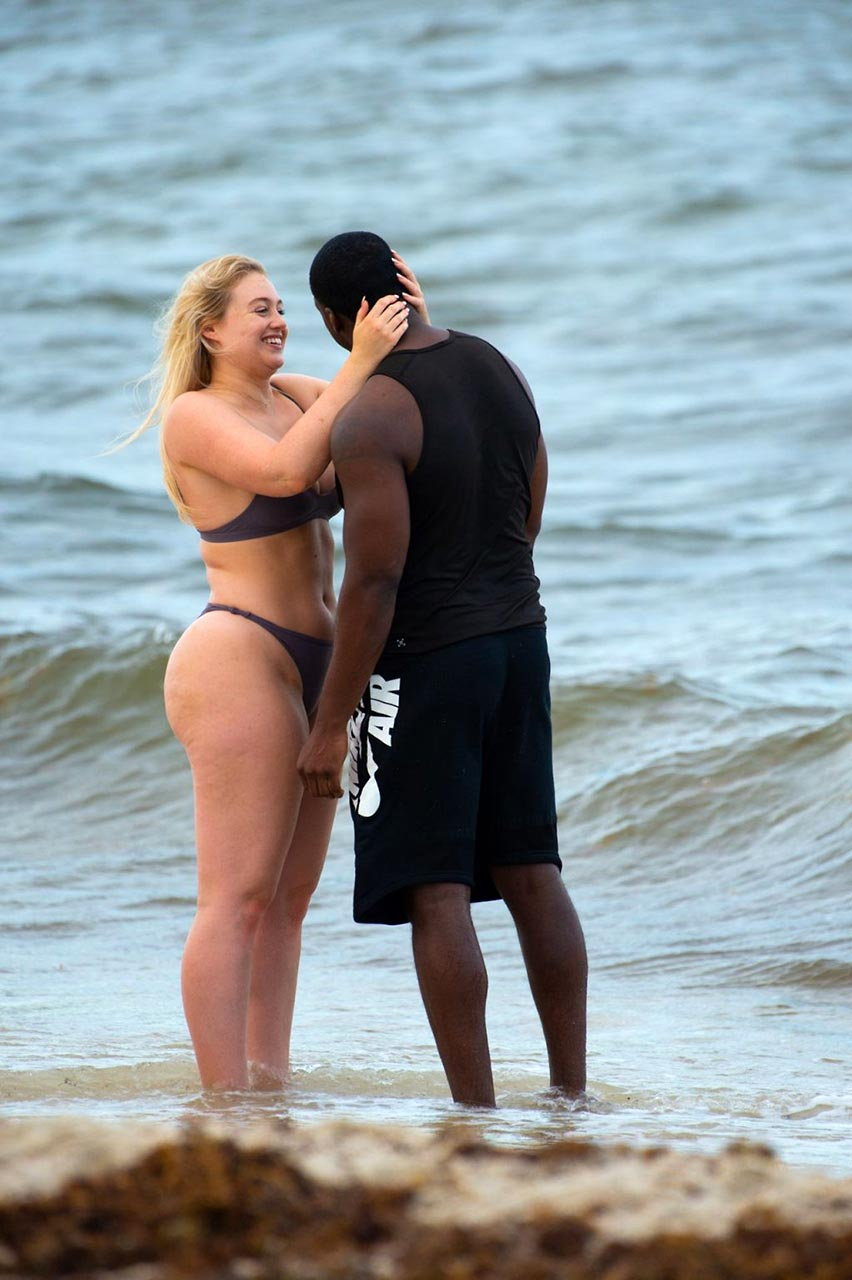iskra lawrence sexy pics with boyfriend philip payne