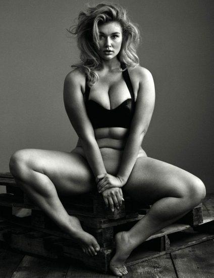Hunter McGrady Nude Pics & Topless for Sports Illustarted 5
