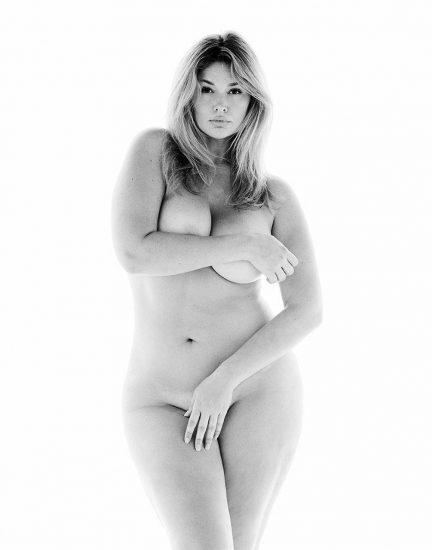 Hunter McGrady Nude Pics & Topless for Sports Illustarted 17