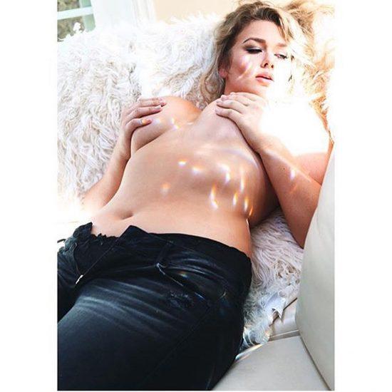 Hunter McGrady Nude Pics & Topless for Sports Illustarted 20