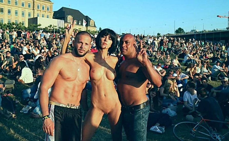 Milo Moire Naked in public