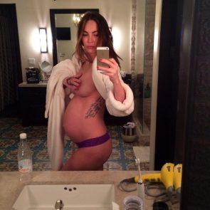 nude Megan Fox pregnant