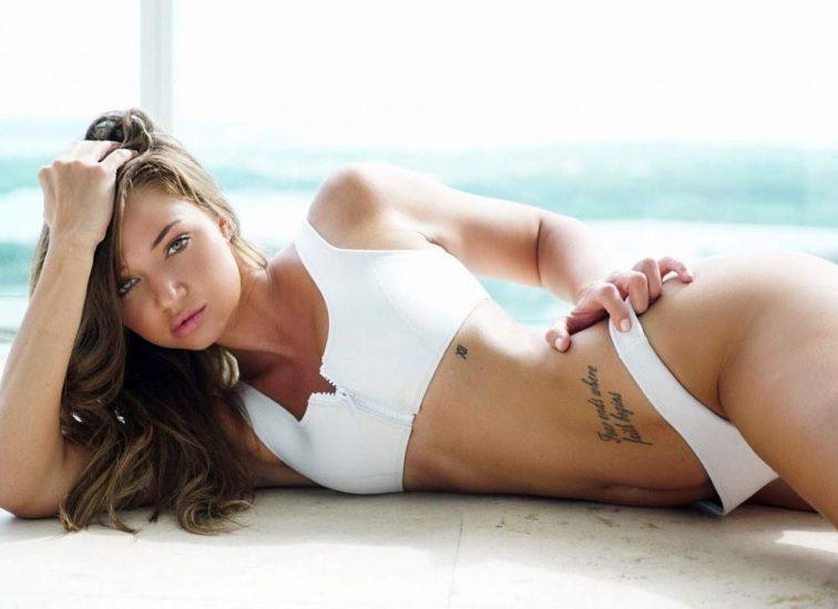 Erika Costell sexy tattoo