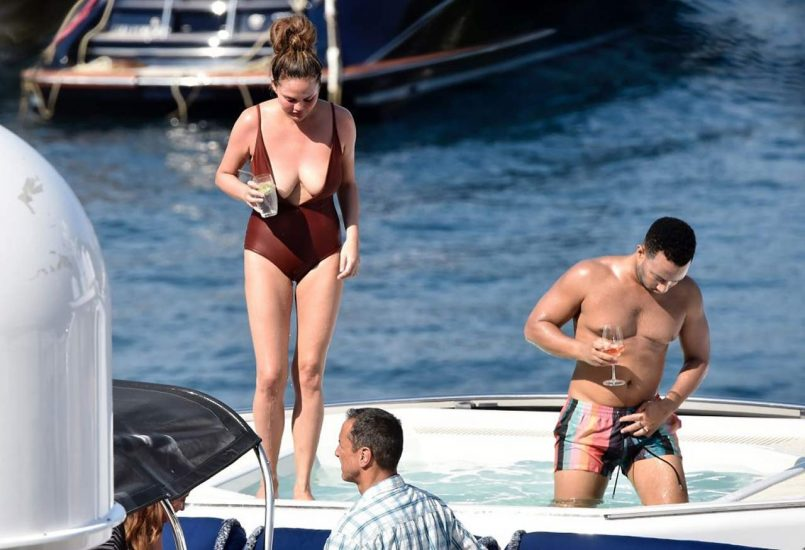 Chrissy Teigen Nude & Topless ULTIMATE Collection 85