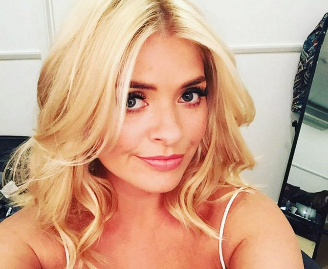 Nackt Holly Willoughby  41 Hottest