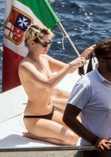 Kristen Stewart Nude Leaked Pics and Porn and Scenes 41
