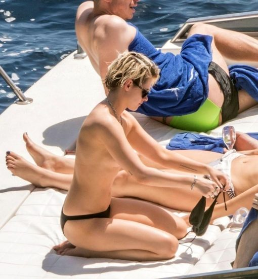 Kristen Stewart Nude Leaked Pics and Porn and Scenes 40