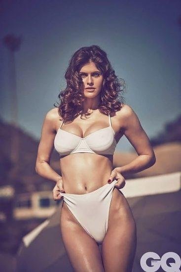 Alexandra Daddario NUDE Pics and Topless Sex Scenes 84