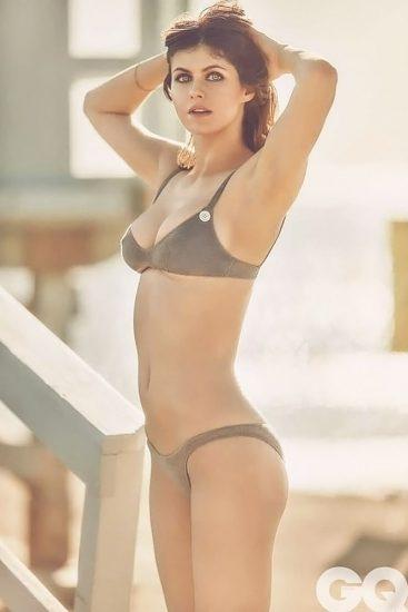 Alexandra Daddario NUDE Pics and Topless Sex Scenes 80