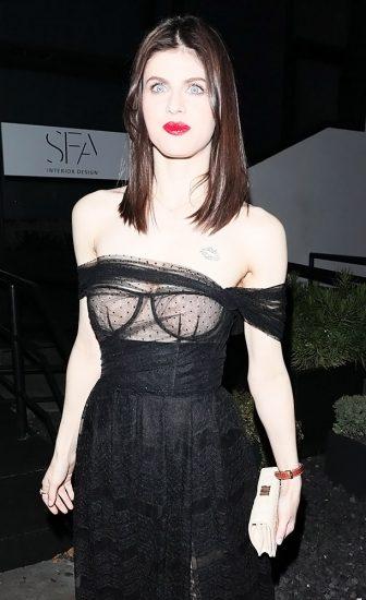 Alexandra Daddario NUDE Pics and Topless Sex Scenes 68