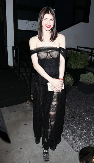 Alexandra Daddario NUDE Pics and Topless Sex Scenes 66