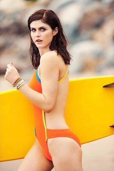 Alexandra Daddario NUDE Pics and Topless Sex Scenes 96