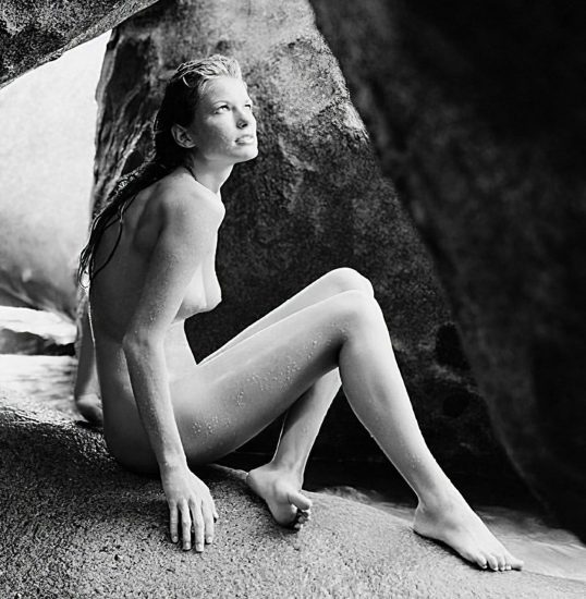 Marisa Miller Nude & Topless Pics + Sexy Scenes 39