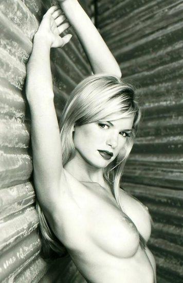 Marisa Miller Nude & Topless Pics + Sexy Scenes 26