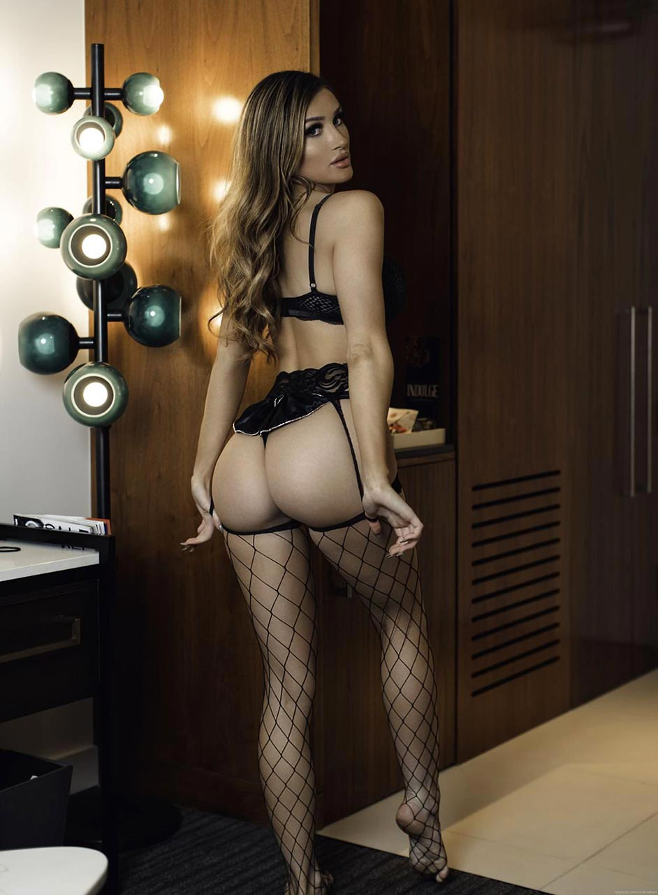 Molly Eskam Nude Leaked Videos and Naked Pics! 103
