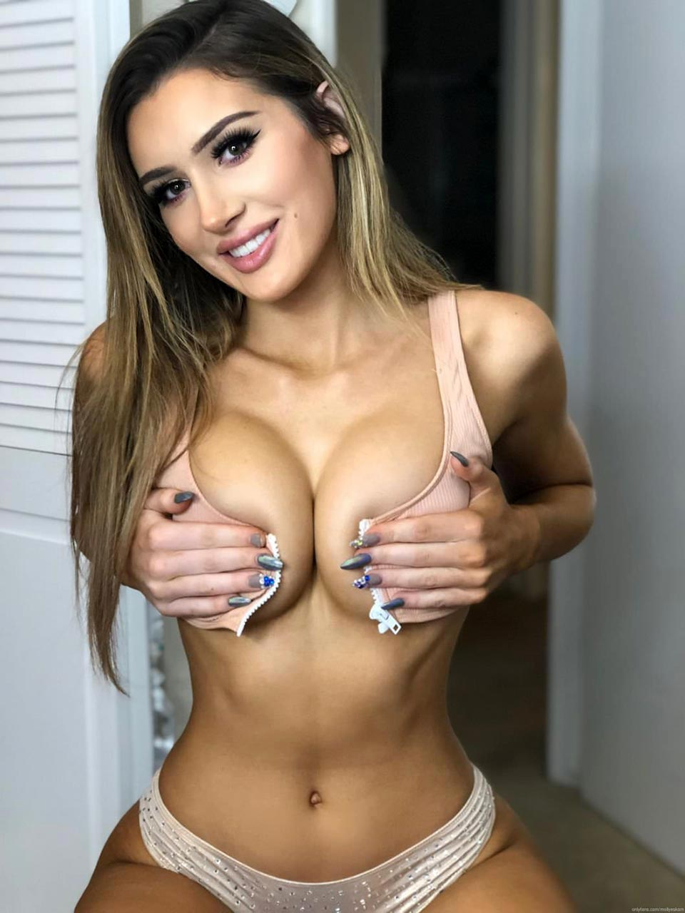 Molly Eskam Nude Leaked Videos and Naked Pics! 105