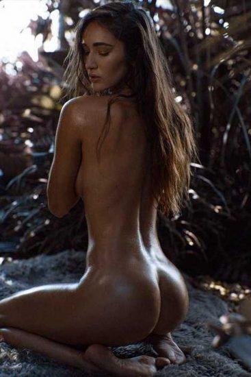 Natalie Roush nude ass