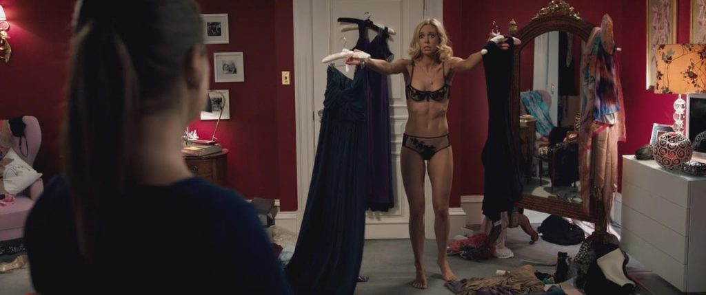 Vanessa Kirby Nude Scenes & Sexy Photos Collection 10