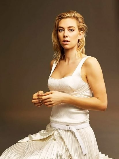 Vanessa Kirby Nude Scenes & Sexy Photos Collection 20