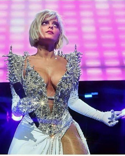 Bebe Rexha Nude Photos & LEAKED Blowjob Sex Tape 30