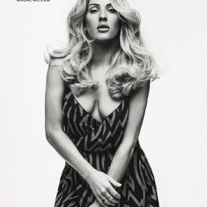 Ellie Goulding boobs in cleavage