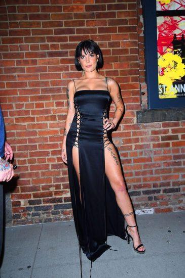 Halsey sexy legs