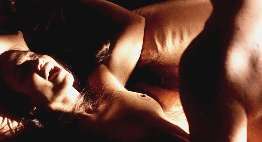 Jennifer Lopez nude boobs