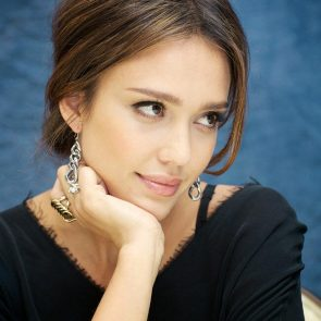 Jessica Alba Nude and Leaked Porn Video – 2020 News! 187
