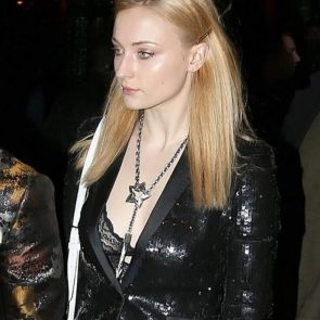 Sophie Turner Nude Pics and Porn Leaked Online [2021] 114