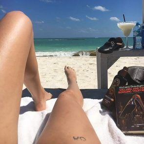 Willa Holland feet on beach